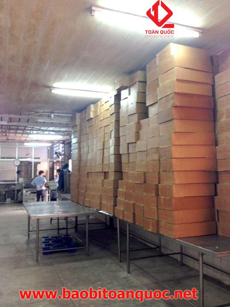 thùng carton chống thấm cán PE