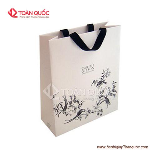Túi giấy đựng quần áo rẻ đẹp, tuigiaydungquanaoredep