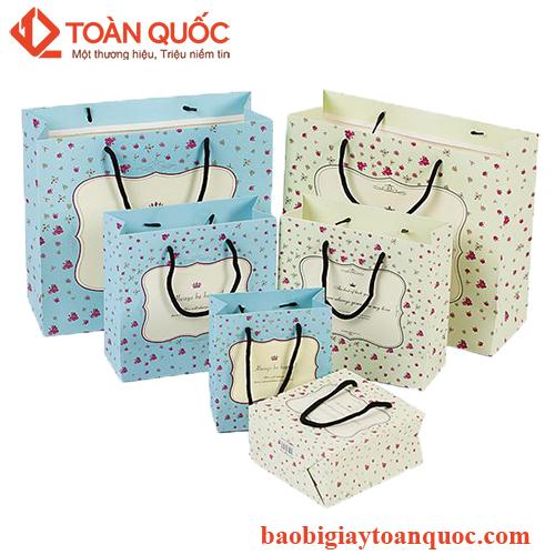 in túi giấy đựng quần áo, intuigiaydungquanao